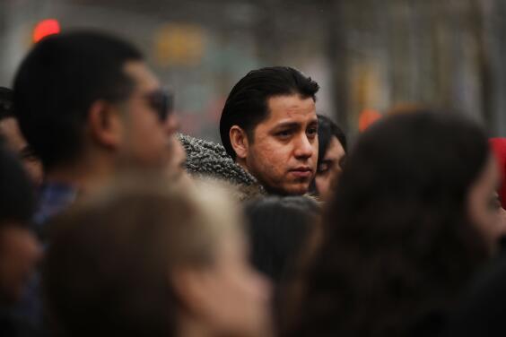 Los hispanos sufren de más ansiedad generada por el coronavirus, según expertos
