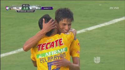 ¡Ya es goleada! Lucas Zelarayán pone el tercero sobre Santos