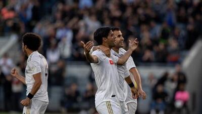 Entre sí y no la llegada de Carlos Vela al Barcelona