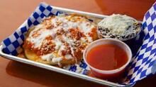 Estos son los restaurantes con las mejores pupusas de Los Ángeles, según Yelp