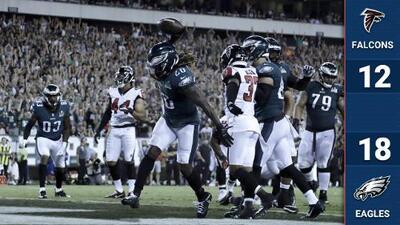Los campeones Eagles se estrenan con victoria sobre Atlanta con dramático cierre en el Kickoff