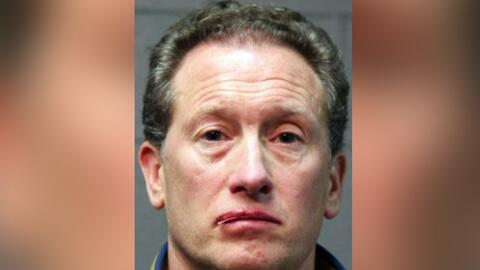 Hombre es acusado de arrojar dos perritos desde un balcón durante una discusión con su esposa