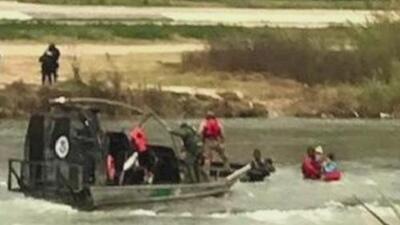 Integrantes de la última caravana se arriesgan a cruzar el Rio Grande ante demoras en trámites de asilo