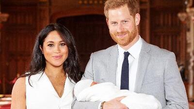 Al fin conocemos su carita: primeras imágenes del bebé de Meghan Markle y el príncipe Harry