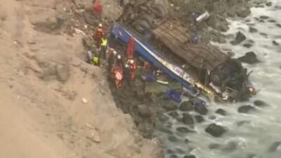 Más de 47 muertos en un accidente de tránsito en la peligrosa 'Curva del Diablo', en Perú