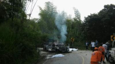 Mueren dos policías en un ataque con explosivos en el suroeste de Colombia