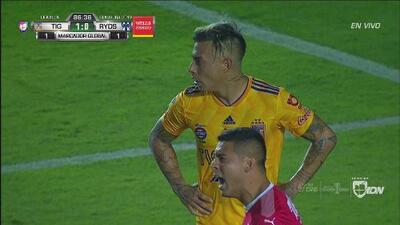 ¡Increíble! Edu Vargas se perdió el segundo de fea forma