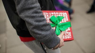 ¿Es aconsejable enviar un regalo de Navidad a la familia de las exparejas?