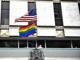 """Es un """"depredador sexual"""": arrestan a exempleado de la Embajada de EEUU en México acusado de violar a 24 mujeres"""