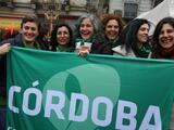 """""""Las mujeres argentinas aprobaron en las calles lo que los senadores rechazaron. Será ley tarde o temprano"""""""
