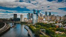 El turismo aumenta y los casos de coronavirus no se detienen en Filadelfia