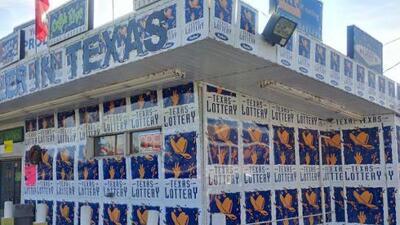 Residente de San Antonio gana $5,000,000 en los raspa y gana de Texas