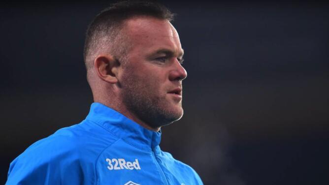 Wayne Rooney entra al quite como técnico y jugador del Derby County