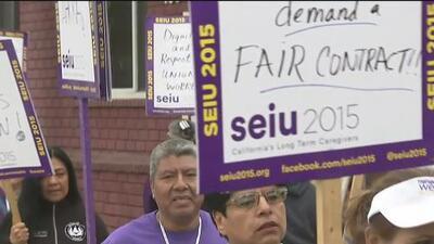 Empleados del Centro de Salud y Bienestar Montecito Heights protestan en busca de mejoras laborales