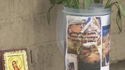 Familiares dan el último adiós al estudiante apuñalado mortalmente a las afueras de la escuela Jane Long Academy