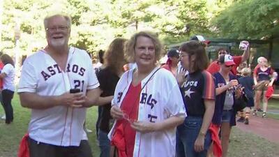 Fanáticos de los Astros se muestran positivos ante el juego contra los Tampa Bay Rays y esperan una victoria