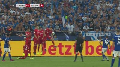 ¿Y el VAR? Polémica mano en el área del Bayern y el árbitro no marca penal