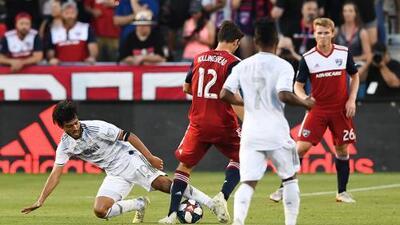 En fotos: LAFC rescata empate con gol de Vela ante un FC Dallas que se quedó con 10