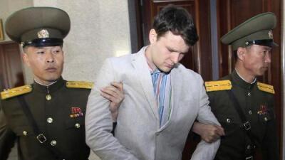 """El trágico caso de Otto Warmbier: del """"robo de un poster"""" en Corea del Norte a una prisión que lo dejó con una severa lesión cerebral"""