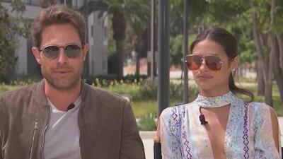 Sebastián Rulli y Renata Notni responden a los que dicen que se la pasan de vacaciones (y Lili les da la razón)