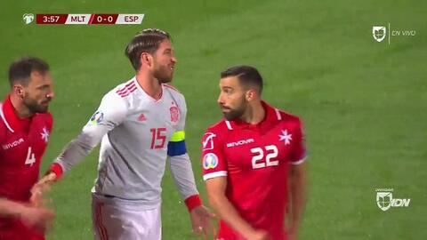Tiro desviado de Sergio Ramos