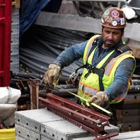 El salario mínimo en California aumentará a partir de enero