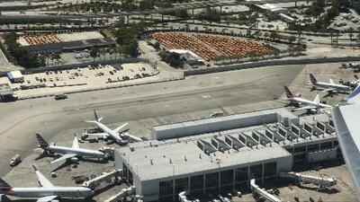 Comerciantes del aeropuerto de Miami, afectados por Irma, piden condonación de renta por un año