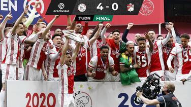 ¡Edson campeón de la Eredivisie! Ajax se corona en Holanda