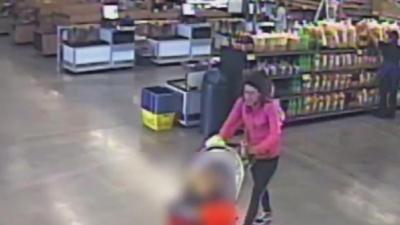 En video: mujer que abandonó a un niño en un estacionamiento de Arizona es buscada por las autoridades