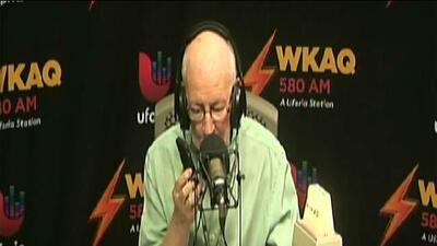 Ojeda llama al 911 en vivo para reportar problema con anciano que pasaba hambre