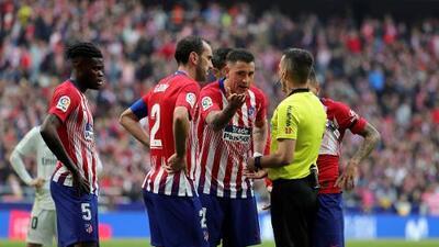 Con mucha bronca se fue el Atlético por el VAR ante el Real Madrid