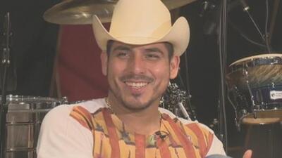 Espinoza Paz no creyó cuando Juan Gabriel lo invitó a cantar con él