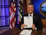 California impone récord de votación durante la pandemia de coronavirus