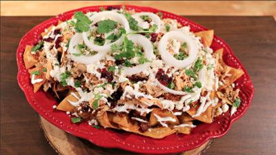 Chilaquiles con pavo y salsa de cranberry: una receta para el recalentado de Thanksgiving
