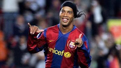 Los 10 Mejores   Los grandes goles de Ronaldinho en la Champions League – Resumen completo