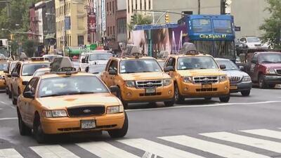 Abrumadores gastos y multas, los problemas que más aquejan y amenazan el bienestar de los taxistas de Nueva York