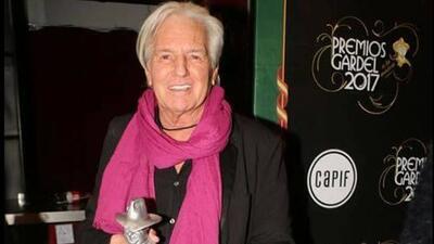 A cuatro meses del grave accidente en un escenario, el cantante Sergio Denis aún no despierta