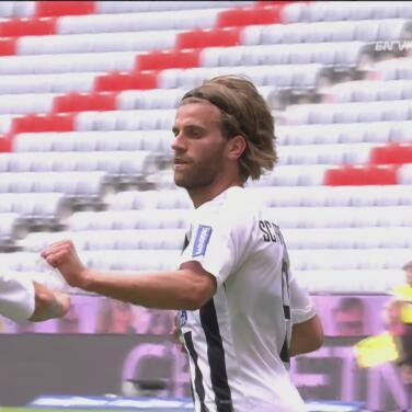 ¡El gol más fácil de su carrera! Lucas Höler marca el 2-1 en una gran jugada de Schmid