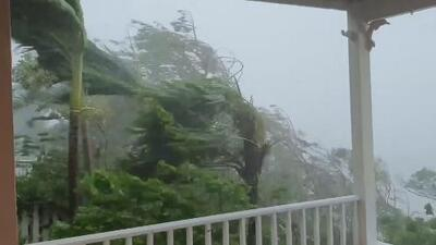 Dorian azota a Bahamas como huracán categoría 5 y con vientos destructivos de 185 millas por hora