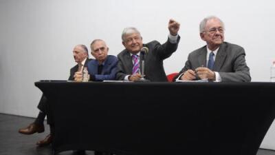 López Obrador anuncia la cancelación del millonario proyecto para un nuevo aeropuerto en México