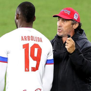 Arboleda 'deja de ser futbolista' para volverse 'carnicero'