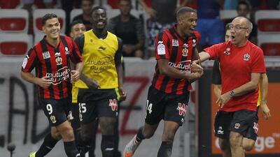 Niza mantiene buen paso en la Ligue 1 al vencer 2-0 a Montpellier
