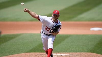 Stephen Strasburg pone en su lugar a Dodgers