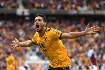 En fotos: el grito de Raúl Jiménez para prender la fiesta de Wolverhampton