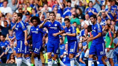 Chelsea 2-2 Swansea: El campeón inglés se salvó y arrancó con empate en Stamford Bridge