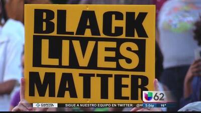 Defensores de afroamericanos repudian tiroteo de Dallas