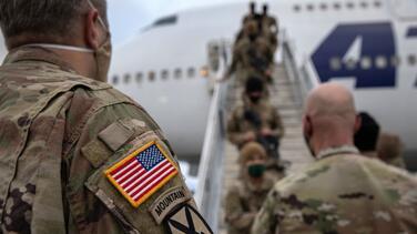 """Mientras EEUU prepara la retirada de Afganistán, Al Qaeda promete seguir una """"guerra en todos los frentes"""""""