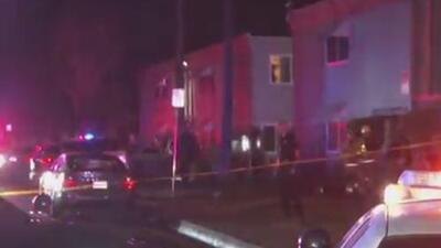 Tiroteo en un edificio de apartamentos de San Bernardino deja a 10 personas heridas
