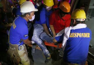 Gritos de desesperación bajo los escombros: terremoto deja al menos 11 muertos en Filipinas