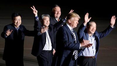 En un minuto: Llegan los tres estadounidenses liberados por Corea del Norte